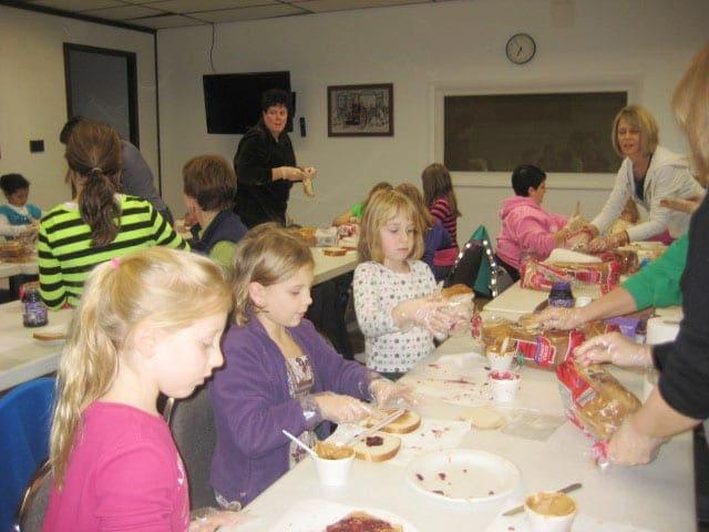 B'ville Girl Scouts donate sandwiches, toiletries to Samaritan Center