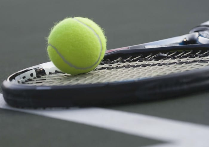 Romig wins at Class B tennis sectionals