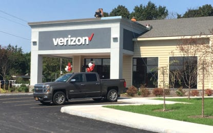 Verizon retailer at Lyndon Corners opens